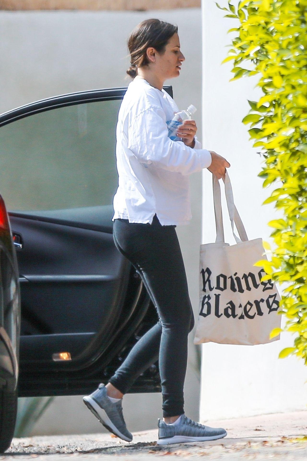 Lea Michele w ciąży - wygląda, jakby źle się czuła