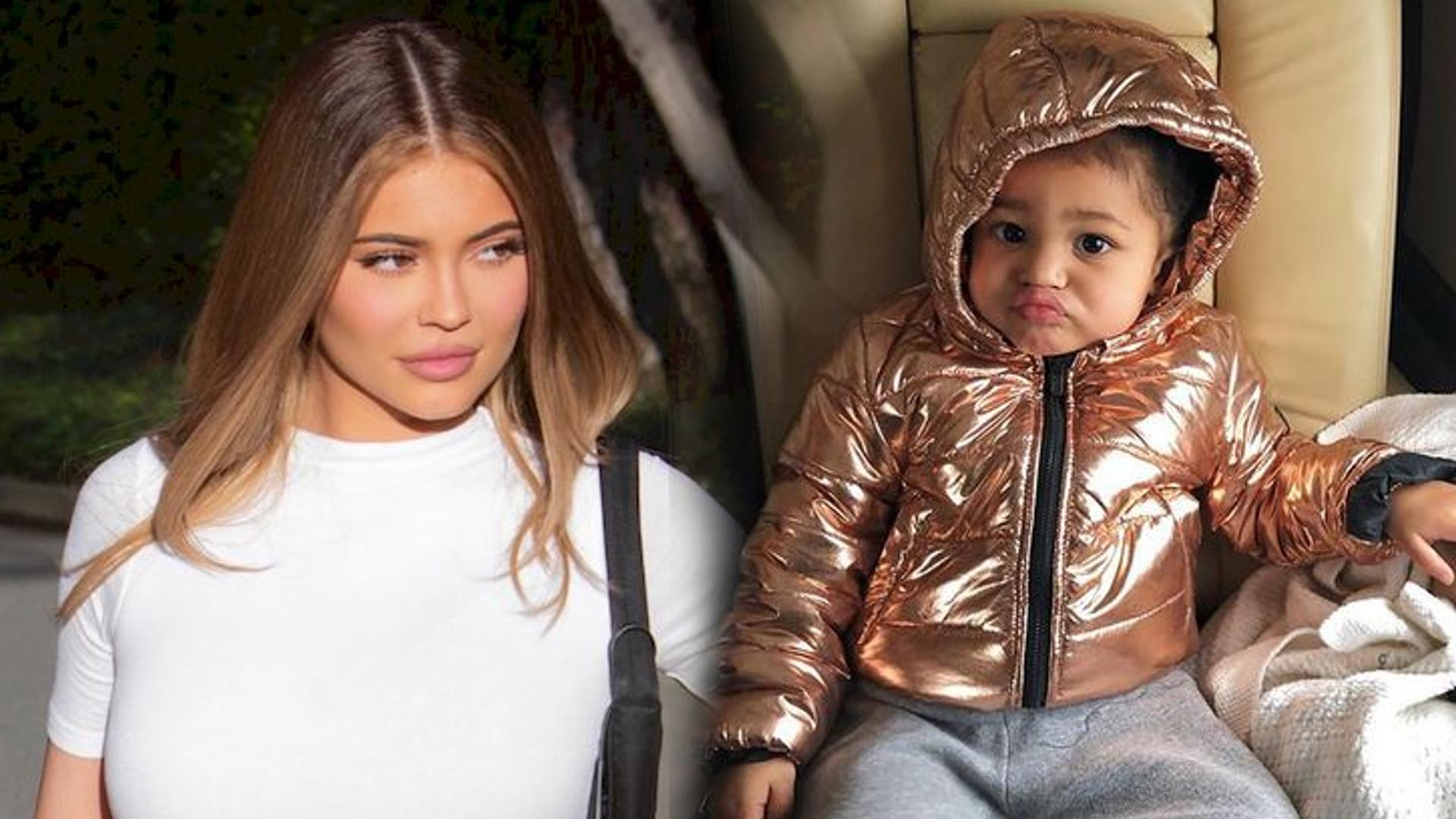 Kylie Jenner zrobiła swojej córce NOWĄ fryzurę – dziewczynka wygląda, jak modelka z wybiegu