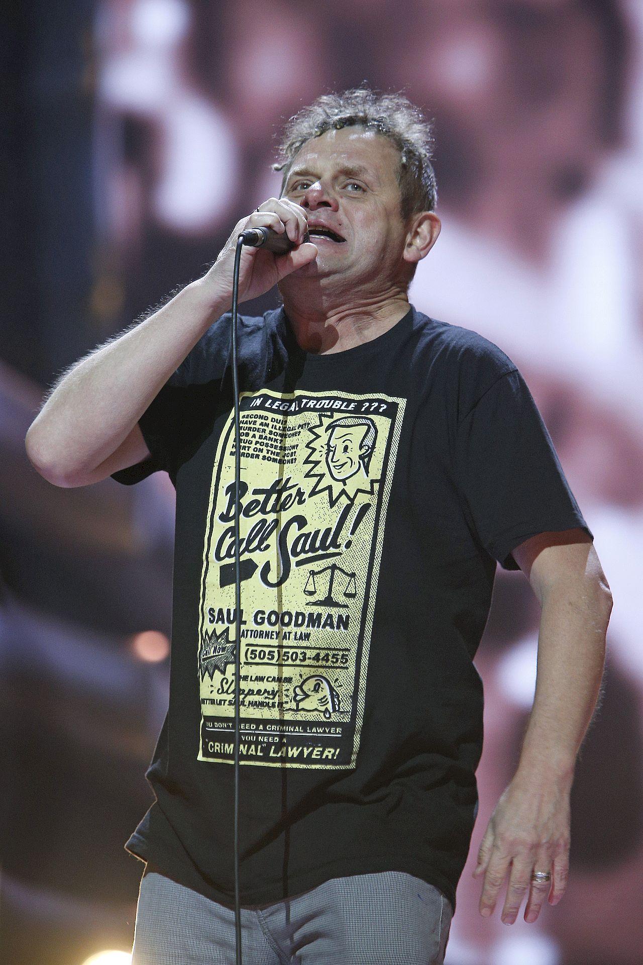 Kazik Staszewski nagrał utwór, w którym krytykuje Jarosława Kaczyńskiego - piosenka została usunięta z listy przebojów Trójki.