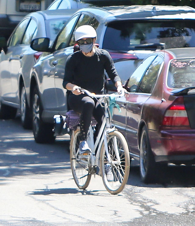 Jennifer Garner na rowerze