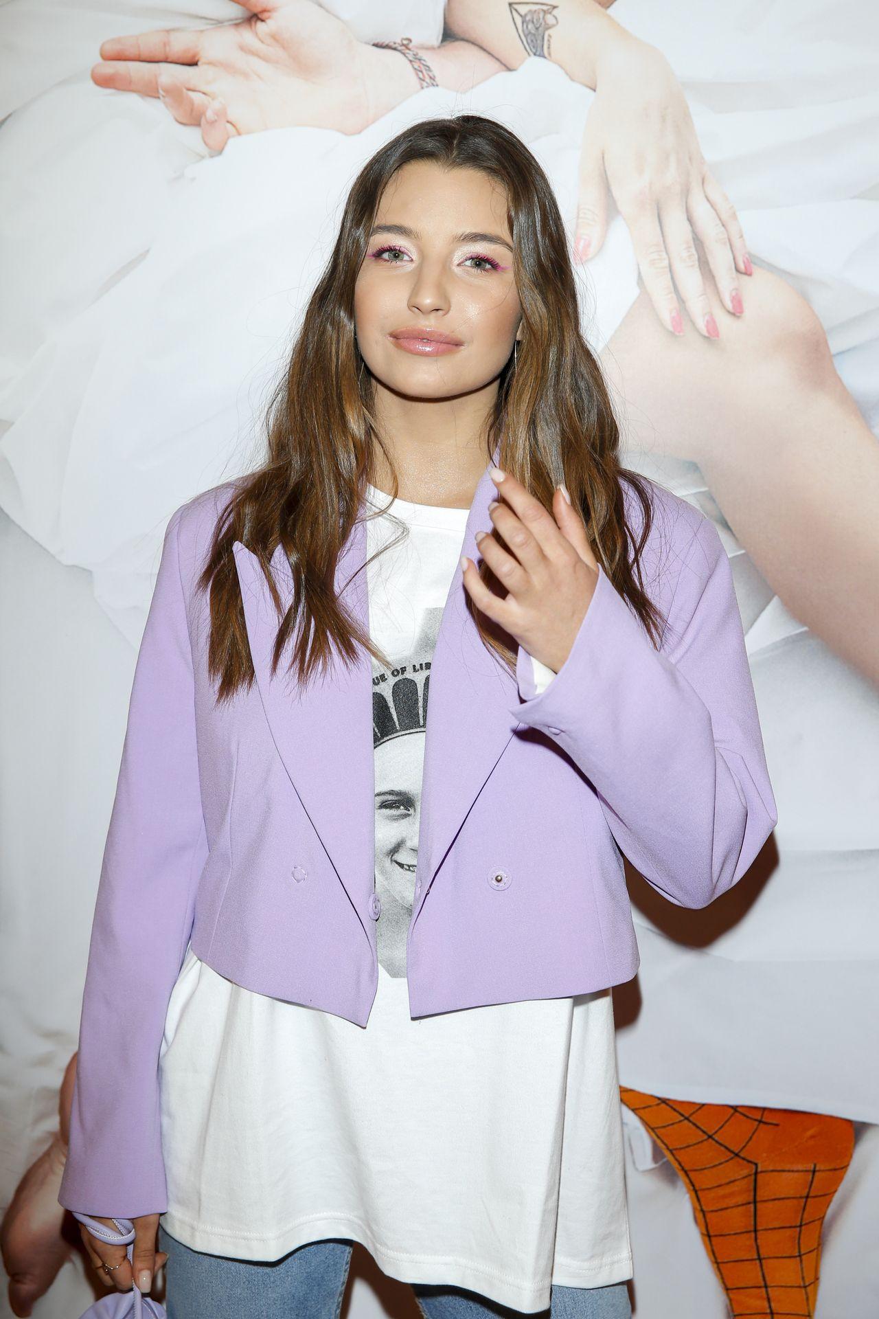 Julia Wieniawa na ściance