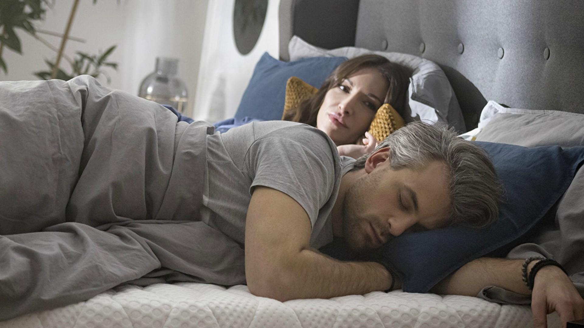 Nie jesteś w stanie wyspać się z partnerem? Czas na zmianę…