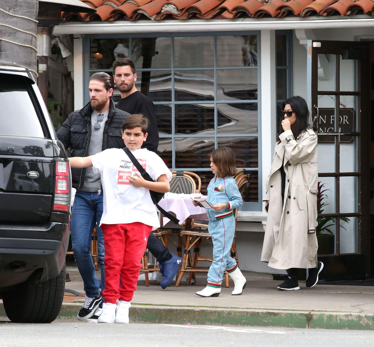 Kourtney Kardashian i Scott Disick z dziećmi