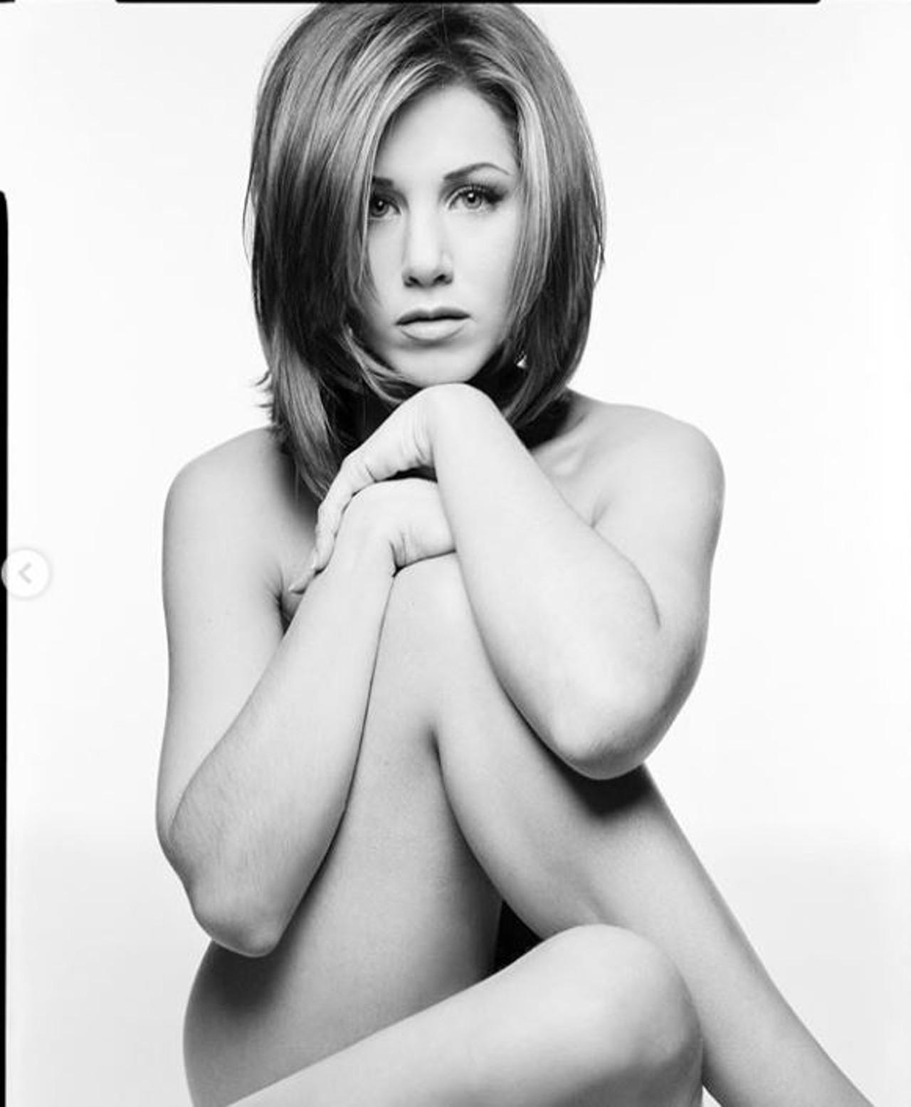 Naga Jennifer Lopez w wieku 26 lat.