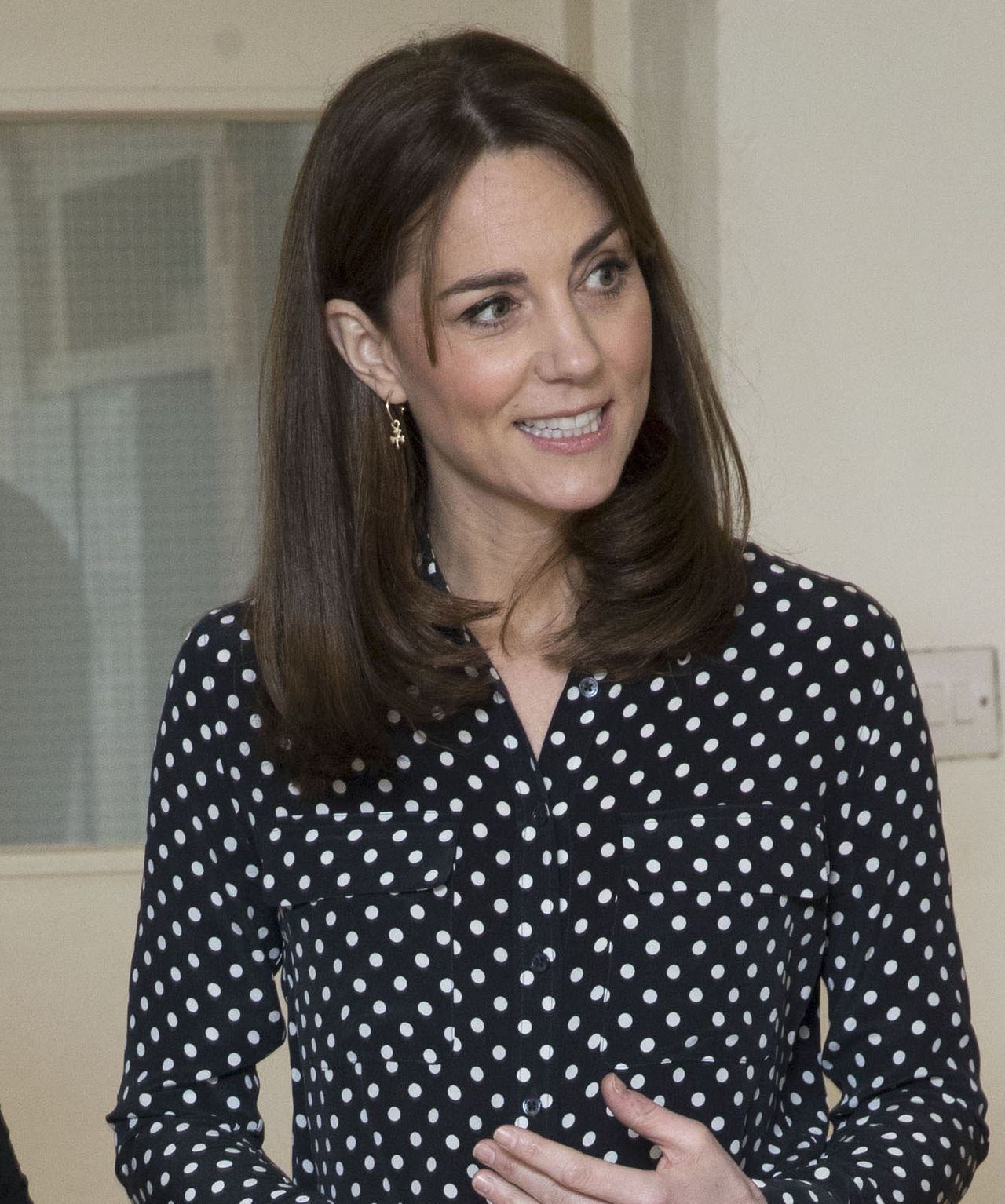 księżna Kate w koszuli w kropki