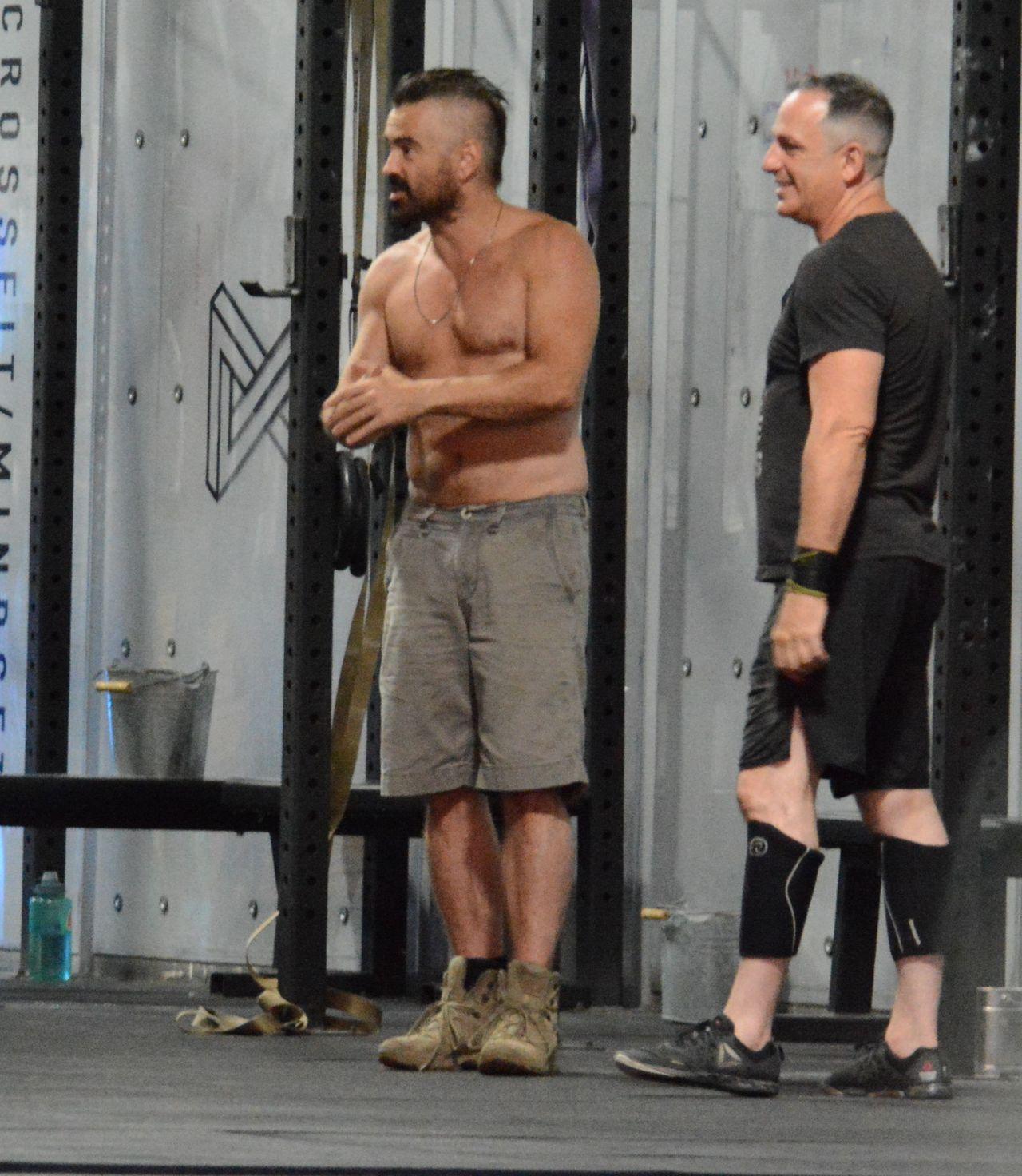 Colin Farrell na siłowni w sierpniu 2019 roku
