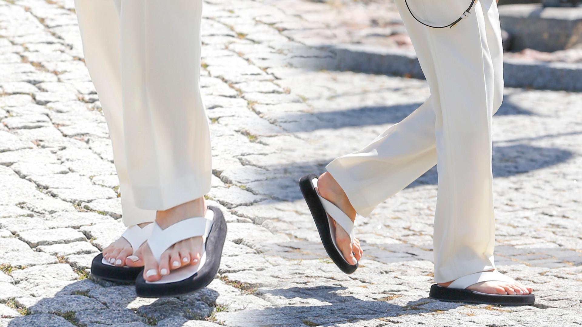 Japonki wracają do łask – nosi je jedna z czołowych polskich stylistek (ZDJĘCIA)