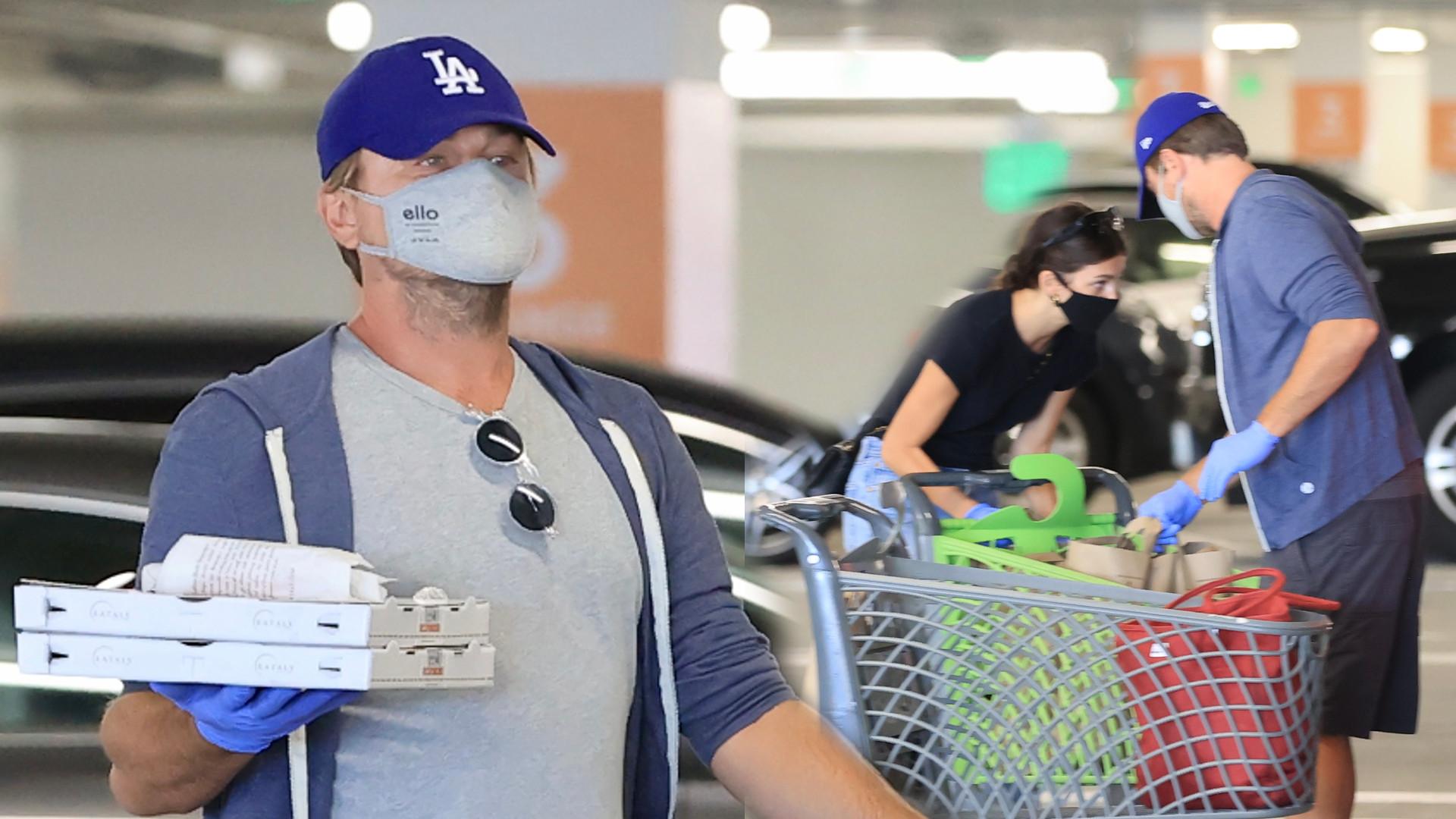 Leonardo DiCaprio przyłapany z dziewczyną na zakupach spożywczych. Żywią się głównie PIZZĄ