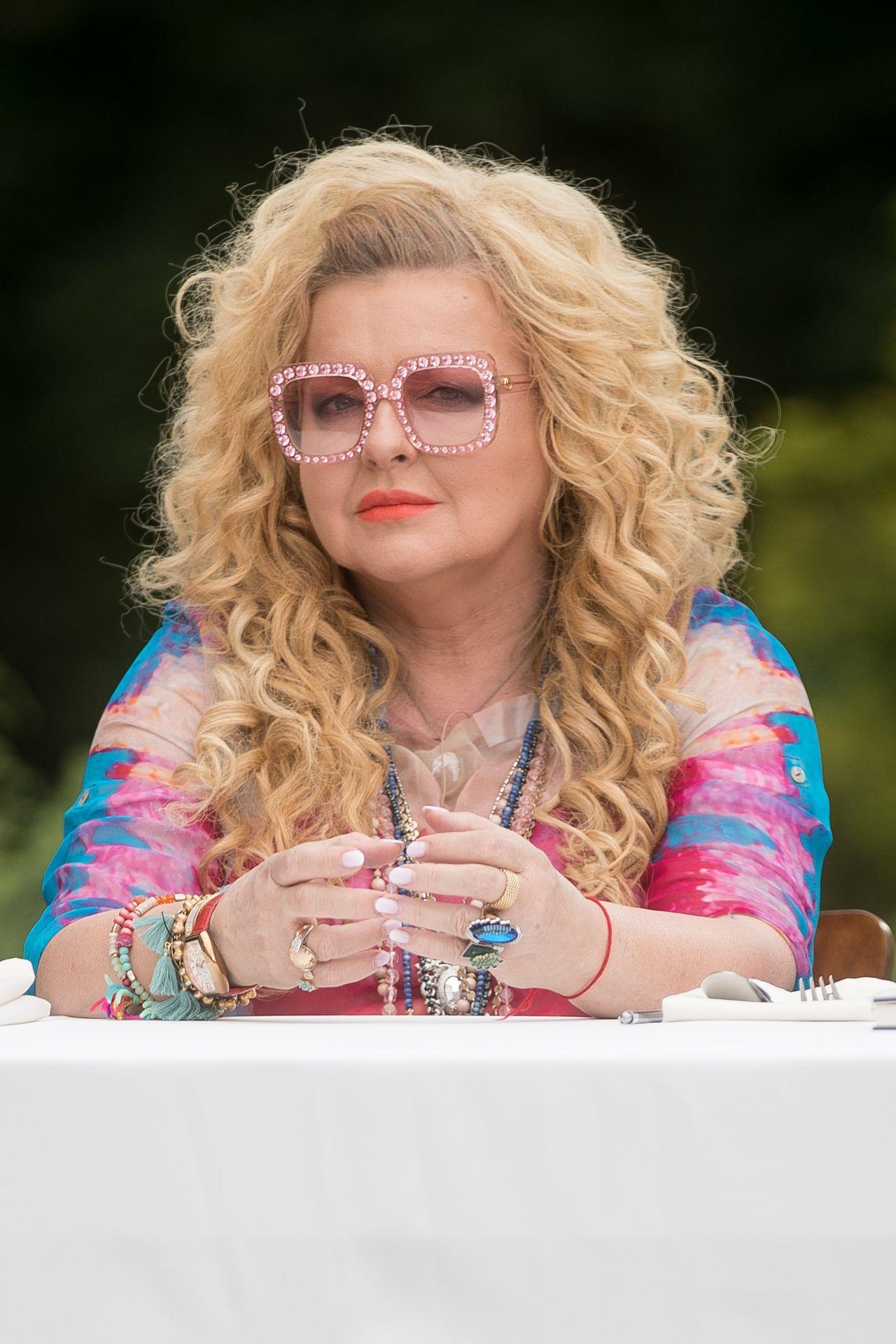 Magda Gessler w okularach