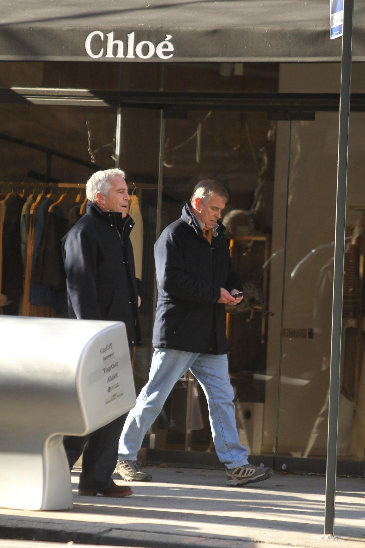 Książę Andrzej przyłapany na spotkaniu z przyjacielem pedofilem - Jeffreyem Epsteinem.