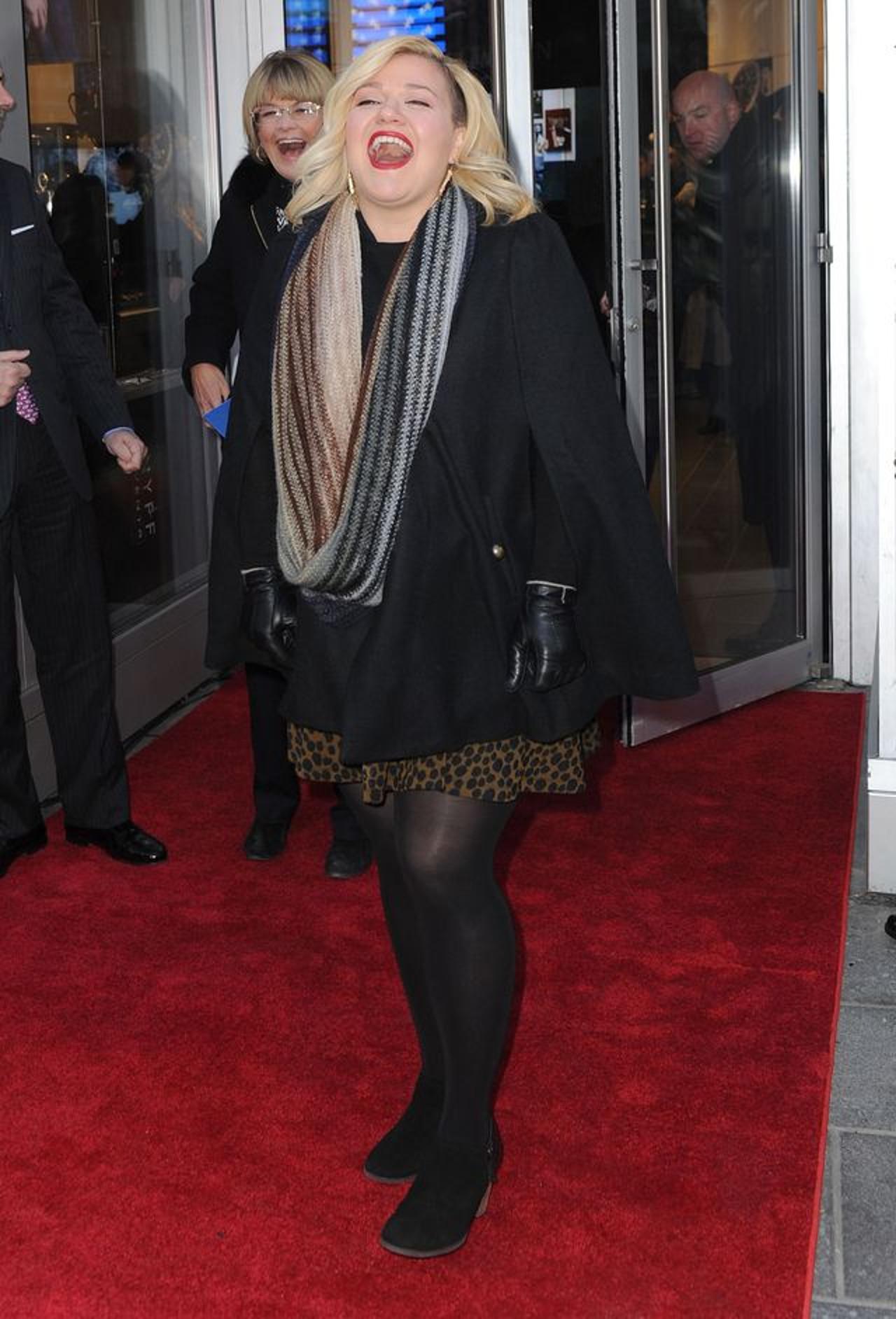 Kelly Clarkson przeszła ogromną metamorfozę. Gwiazda sporo schudła.