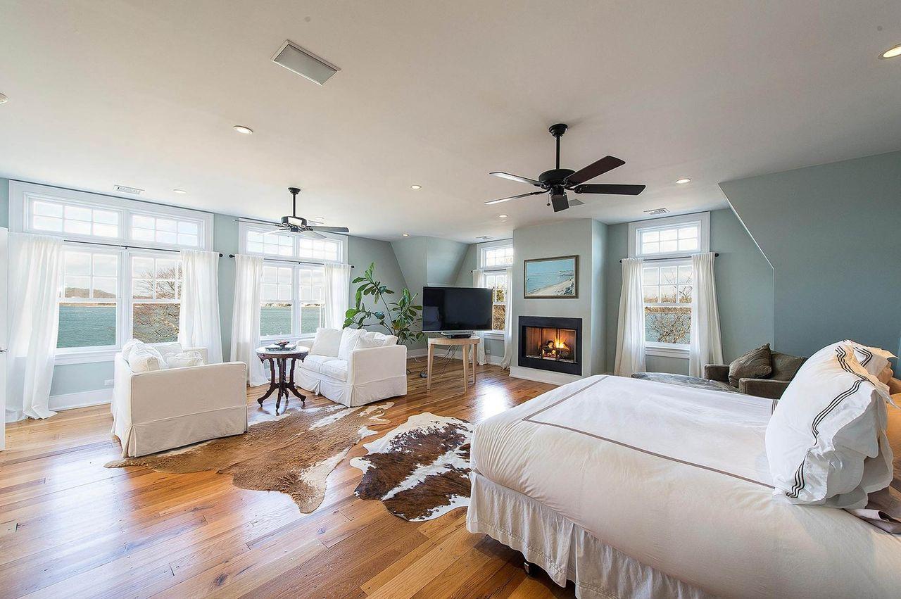 W tym domu zamieszka Rihanna, gwiazda wynajęła posiadłość w Hamptoms za prawie pół miliona dolarów miesięcznie