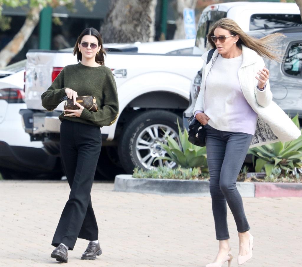 Caitlyn Jenner na spotkaniu z córką Kendall.