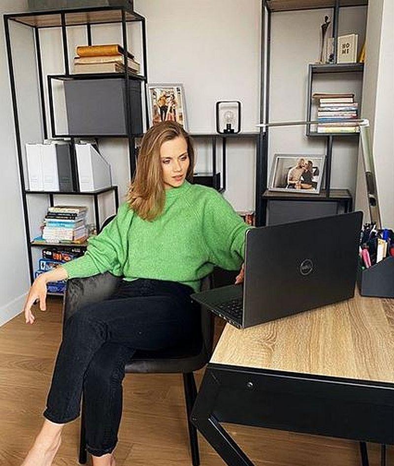Agnieszka Kaczorowska w gabinecie