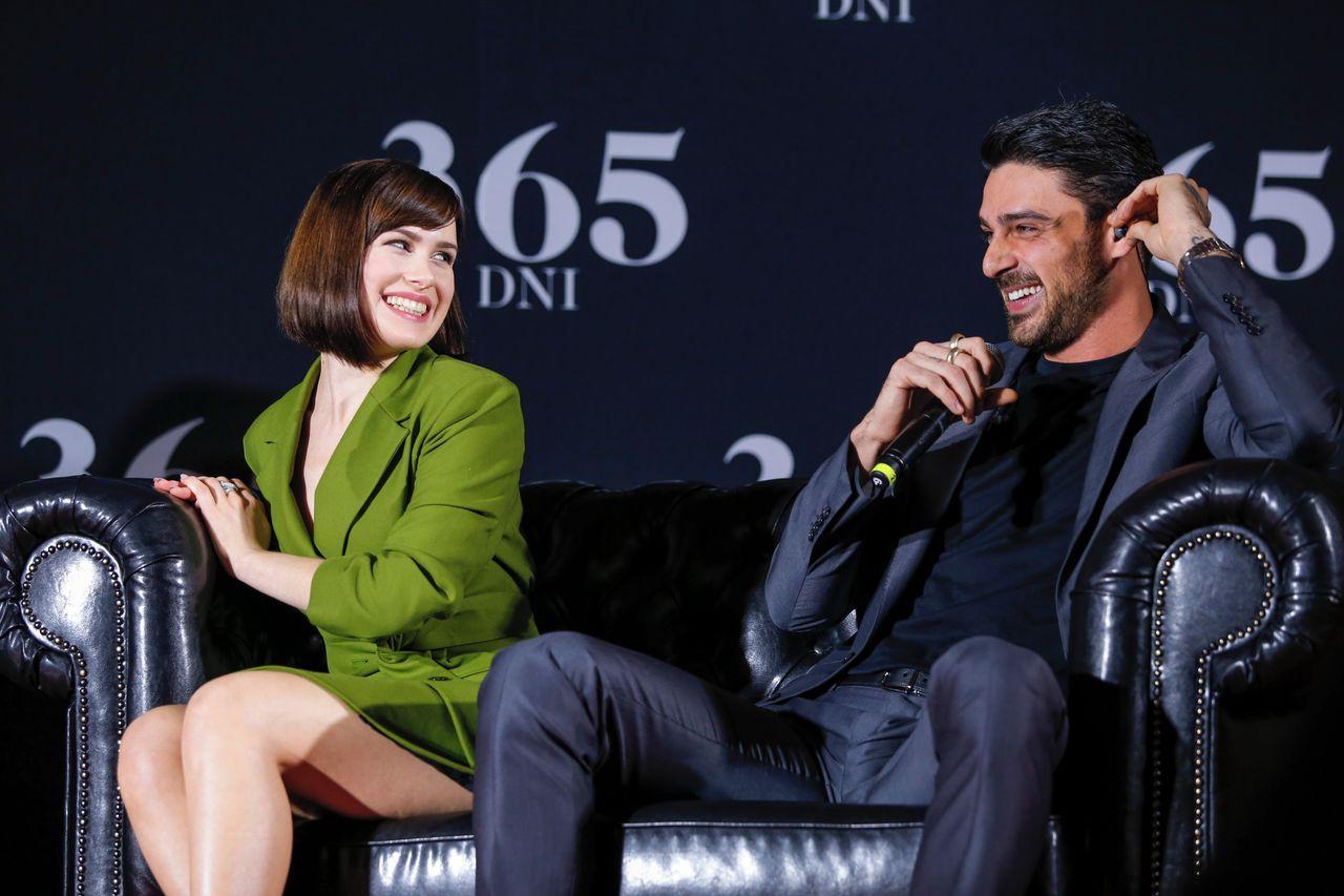 "Anna Maria Sieklucka, Michele Morrone na konferencji filmu ""365 dni""."