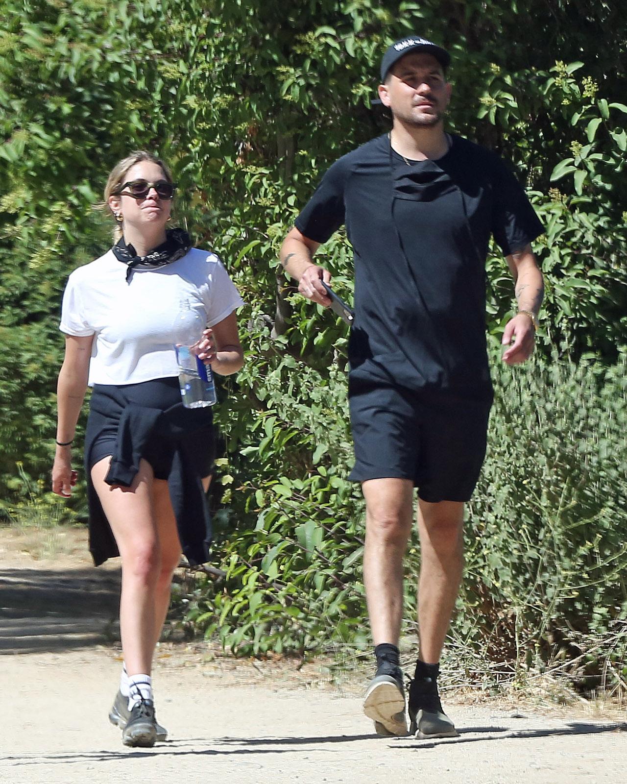 Ashley Benson i G-Eazy na spacerze.