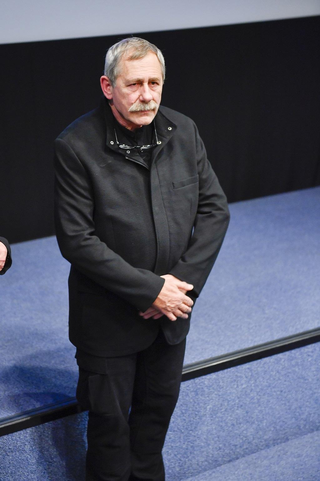 Andrzej Strzelecki na scenie.