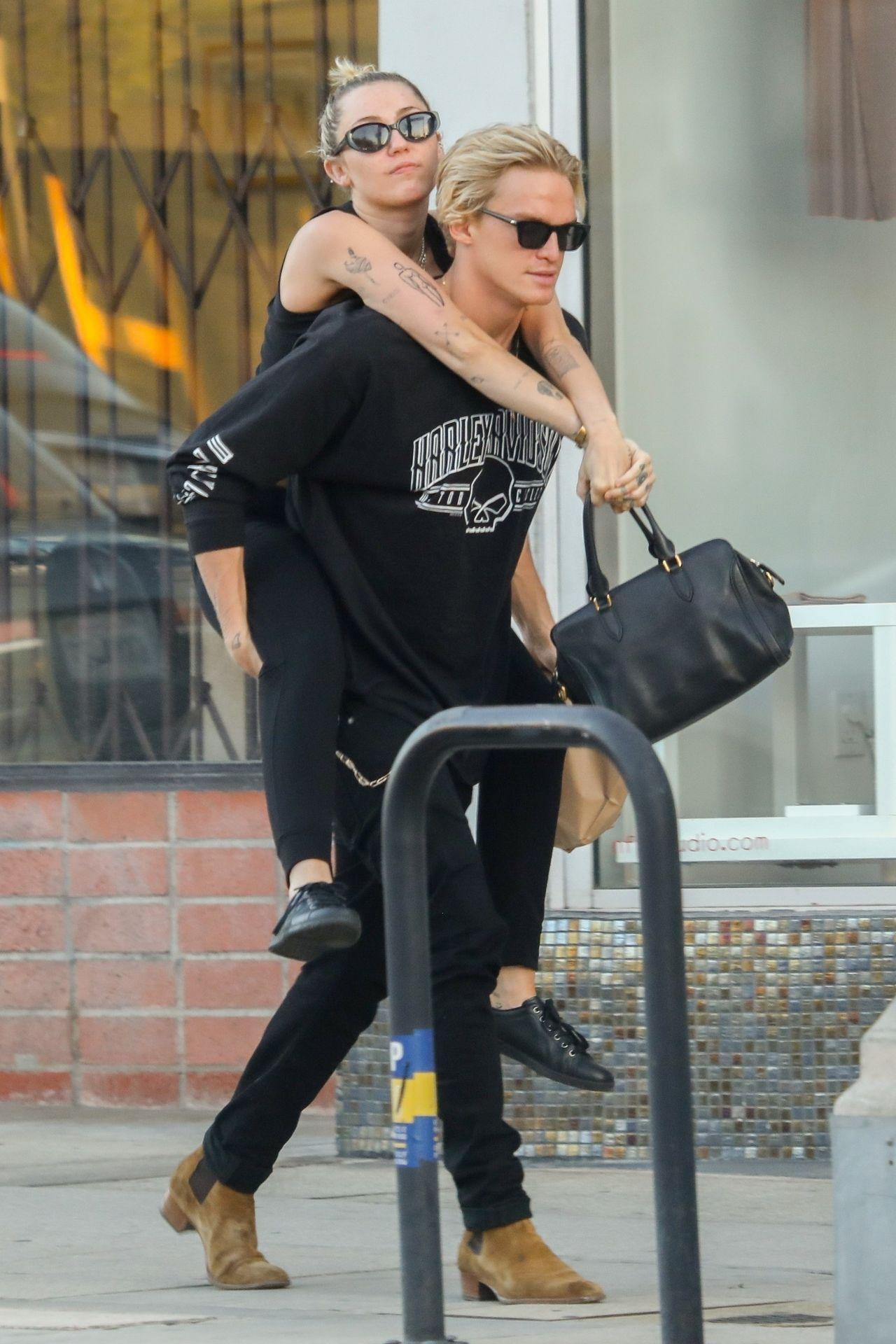 Miley Cyrus i Cody Simpson