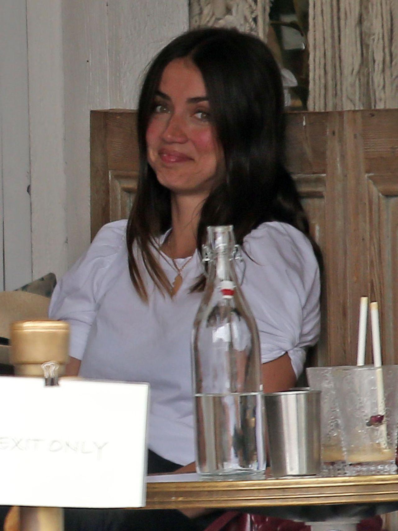 Ana de Armas na lunchu