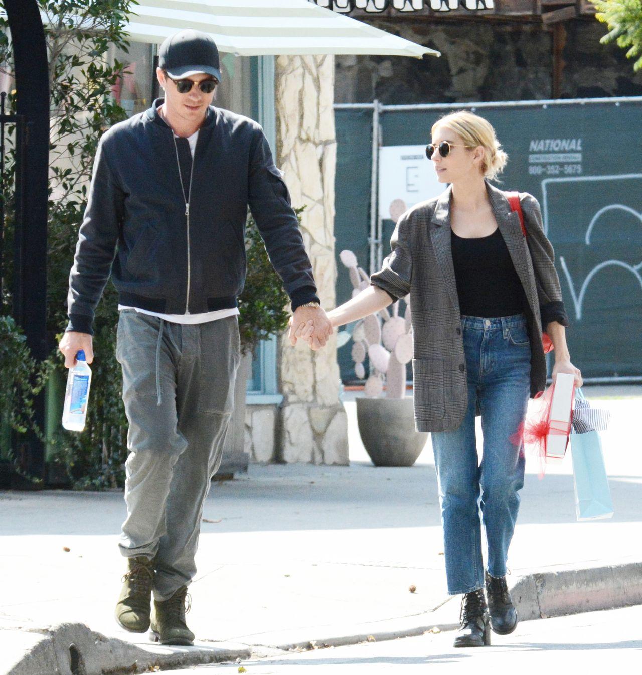 Emma Roberts i Garrett Hedlund na spacerze