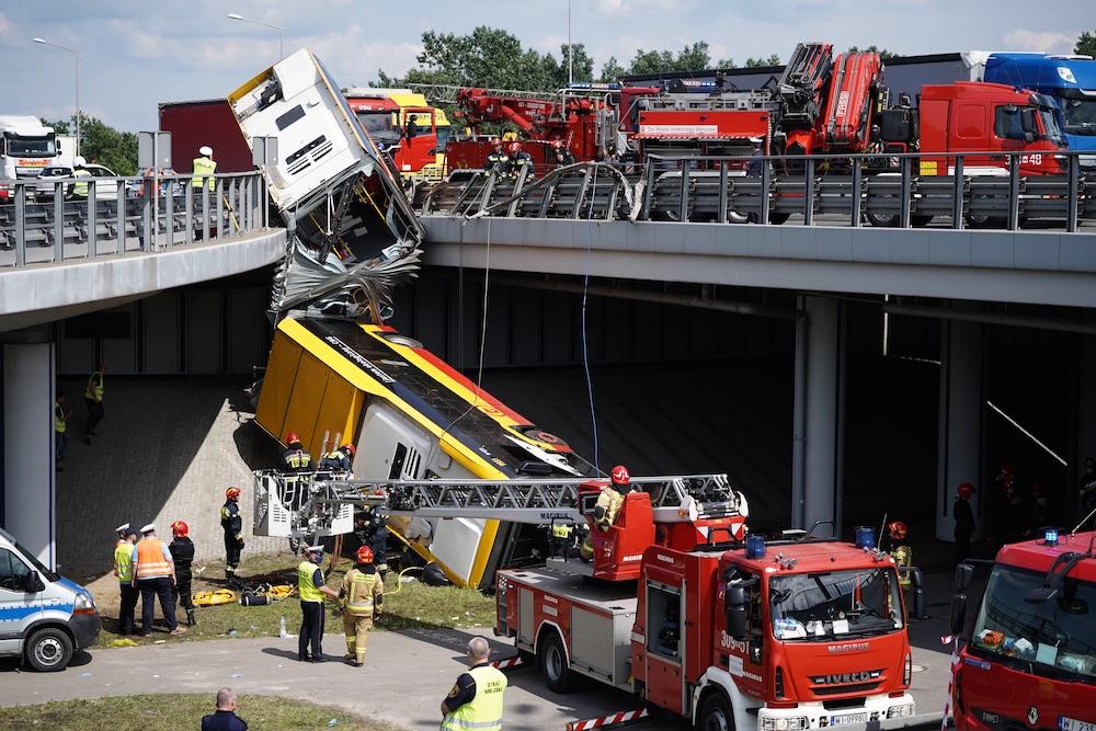 Wypadek autobusu w Warszawie. Mateusz Wlodarczyk / Forum