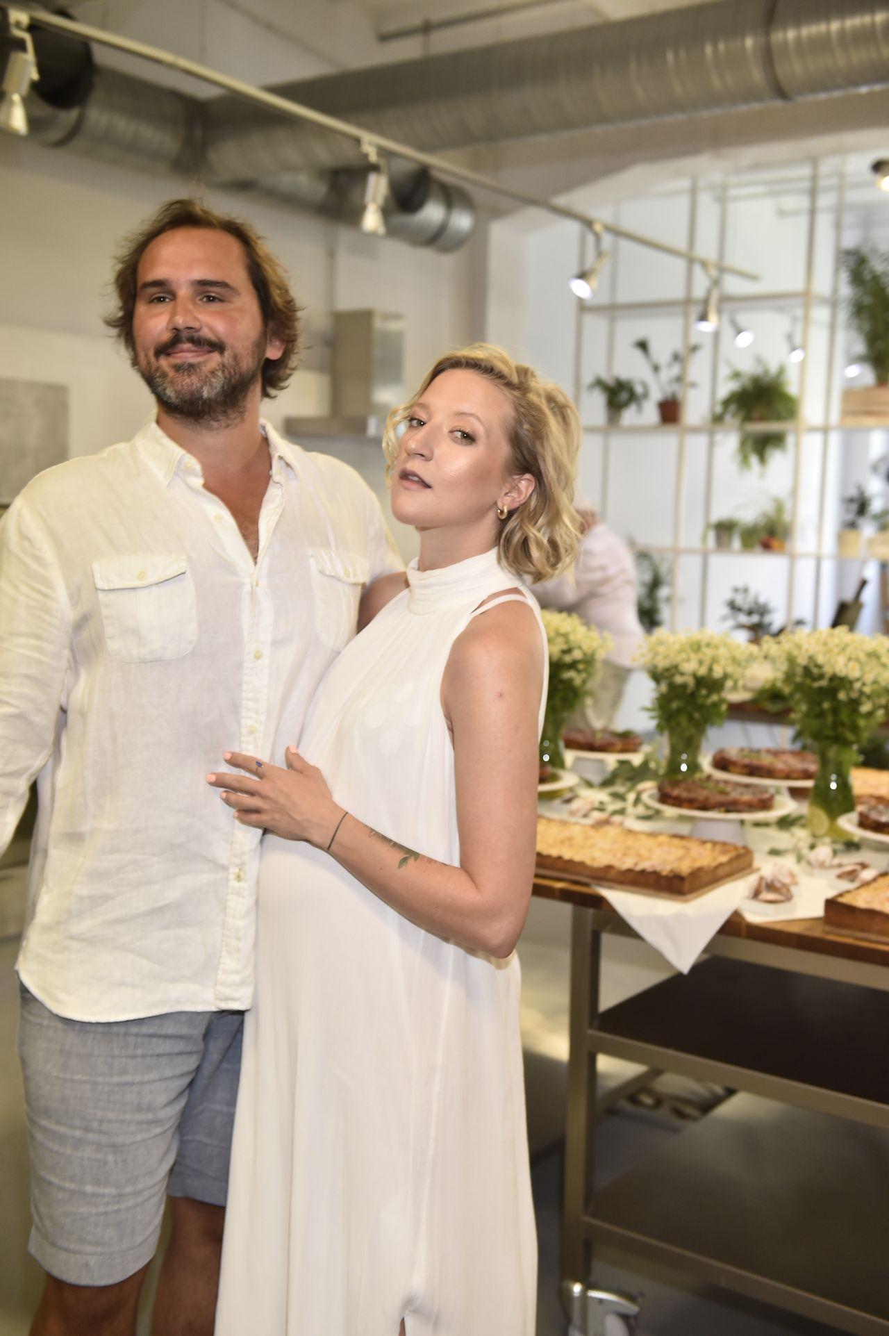 Lara Gessler i jej mąż Piotr Szeląg razem na imprezie branżowej.