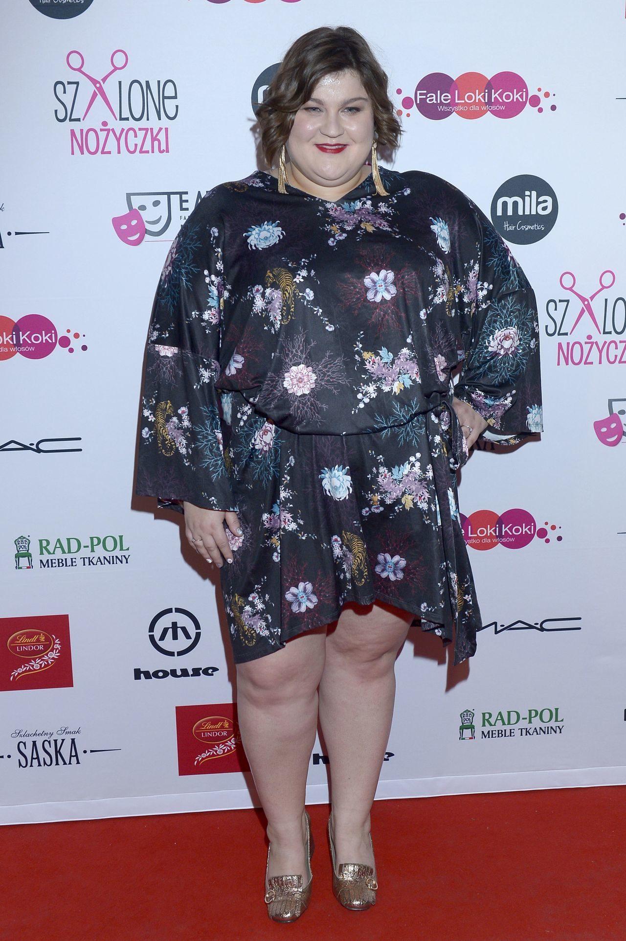 Dominika Gwit w sukience na imprezie branżowej.