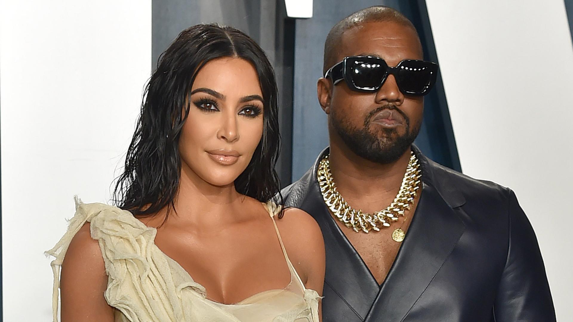 W sieci pojawiło się zdjęcie POZWU rozwodowego Kim Kardashian. Znany jest powód rozpadu małżeństwa