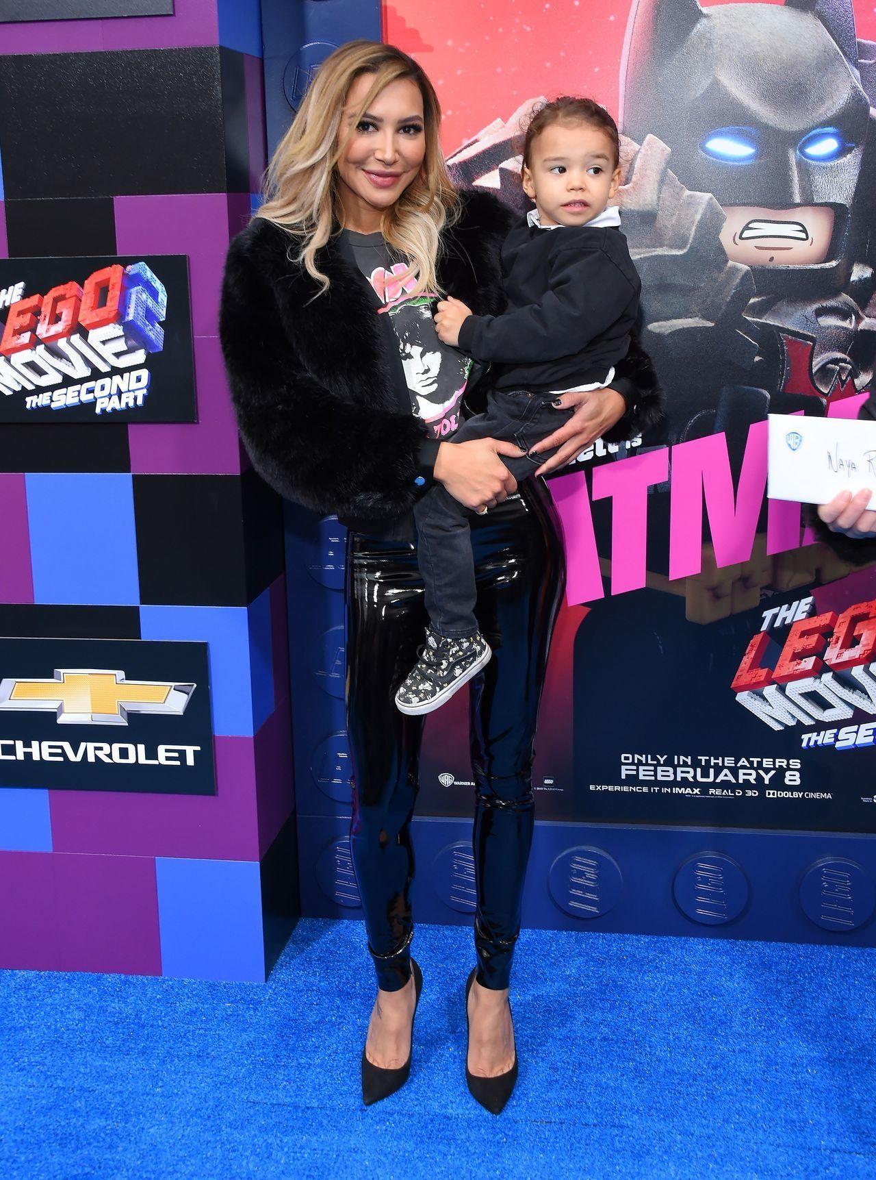 Naya Rivera z synem na ściance