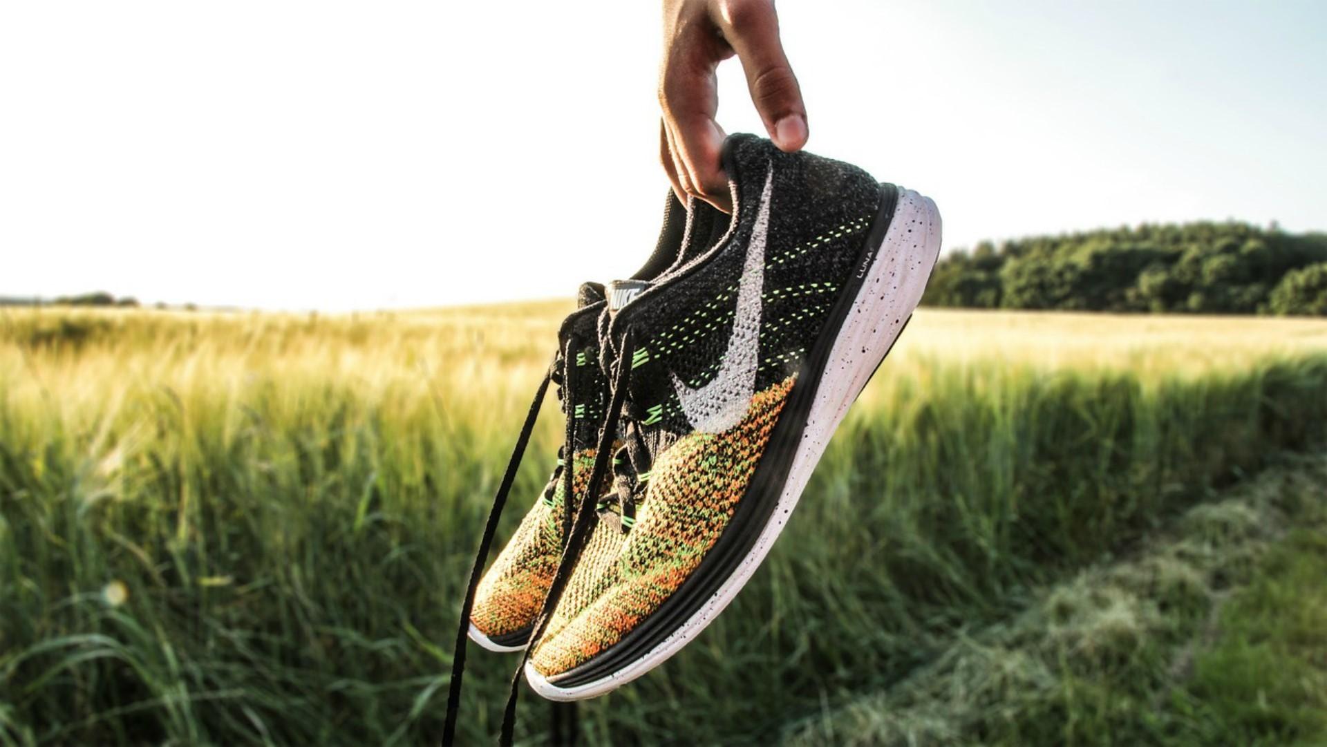 Przegląd letniej kolekcji butów Nike. Noszą je gwiazdy sportu i celebryci!