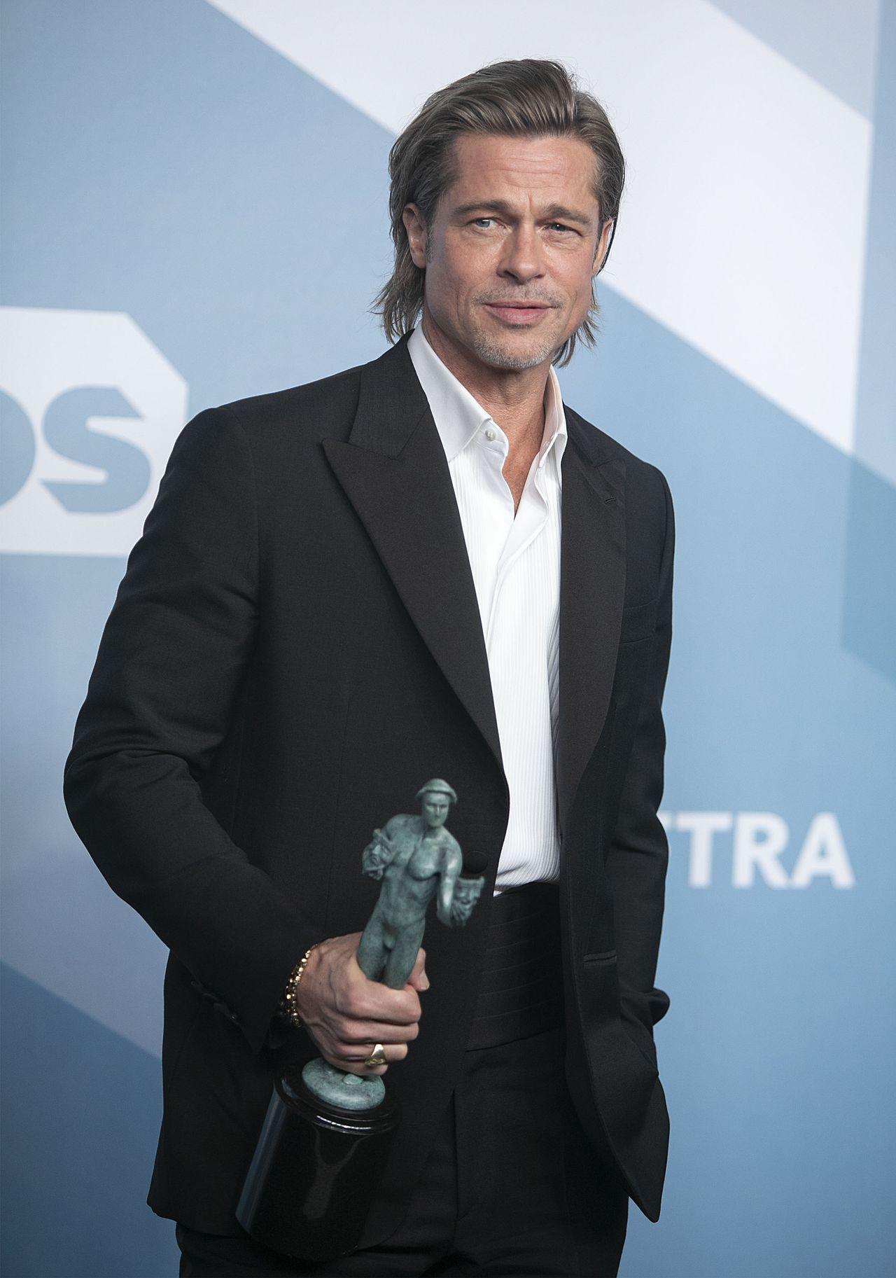 Brad Pitt ze statuetką