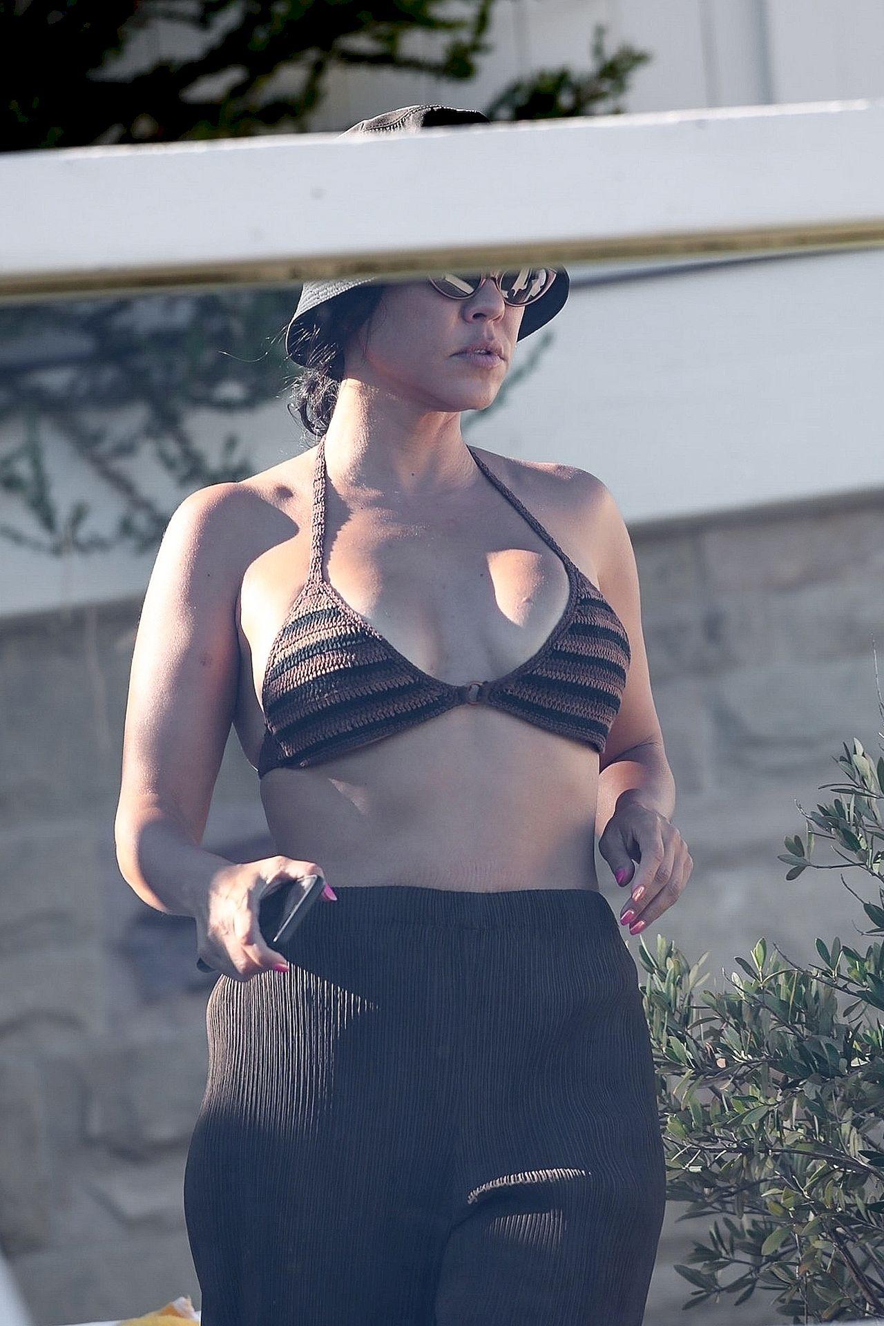 Kourtney Kardashian na wakacjach. Ciało godne pozazdroszczenia?