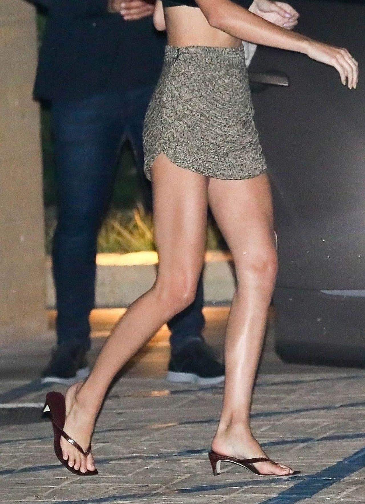 Spódnica Kendall była za krótka?