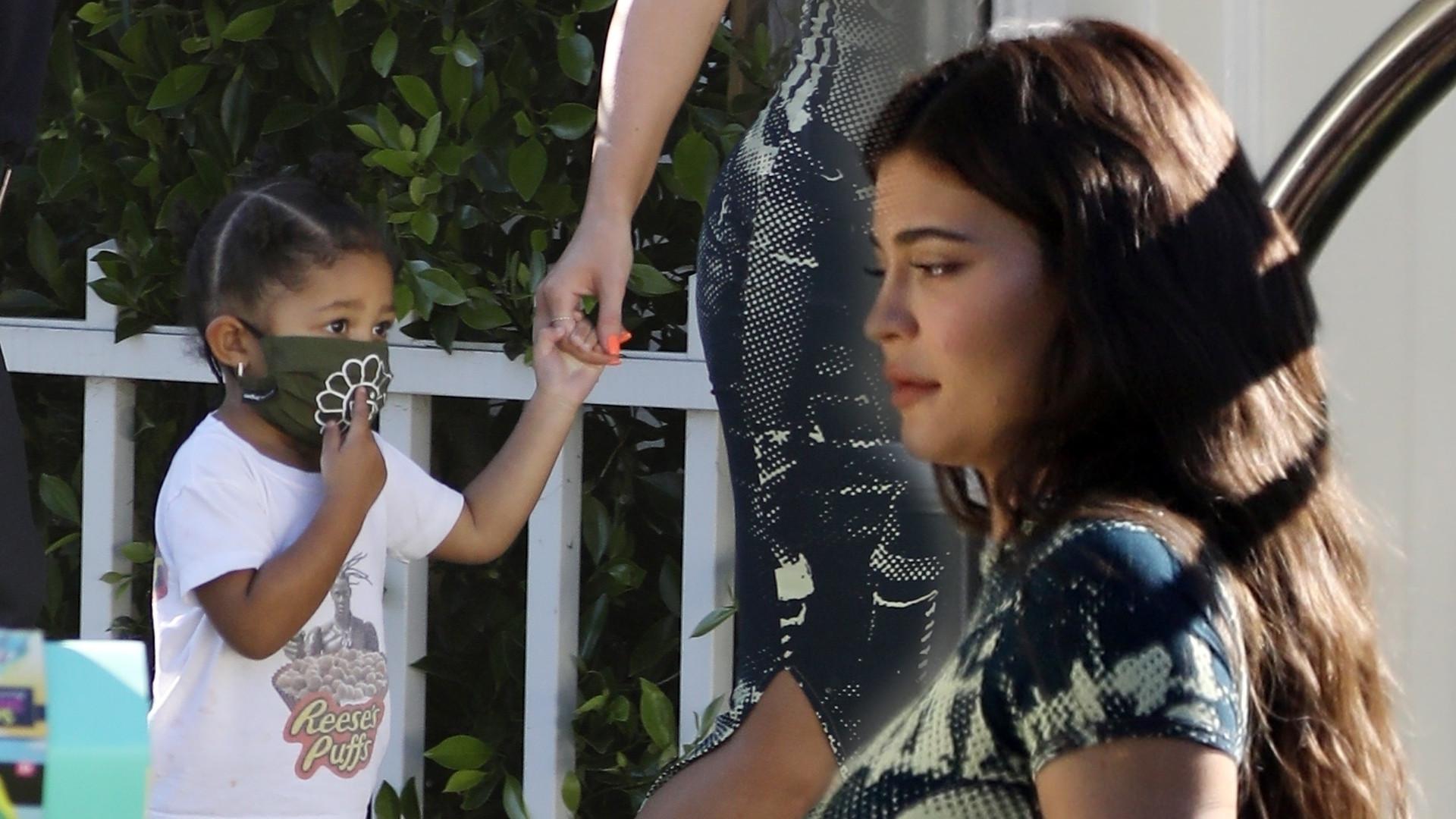 Kylie Jenner z Travisem Scottem i Stormi w Los Angeles (ZDJĘCIA)