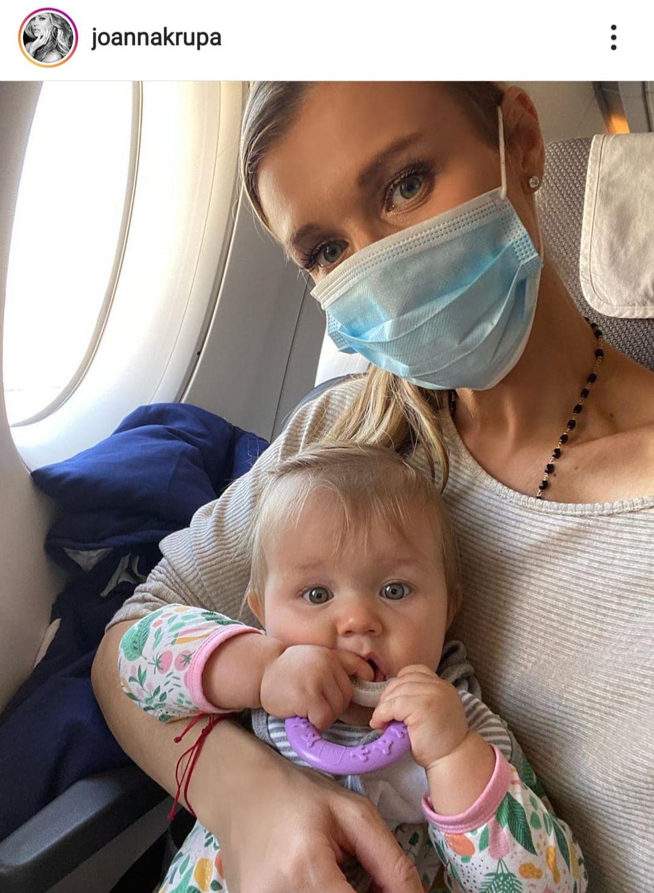 Joanna Krupa pokazała trudy macierzyństwa. Tak wyglądała podróż modelki z córką