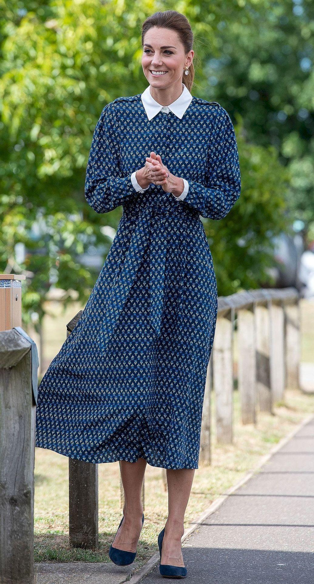 Księżna Kate w niebieskiej sukience