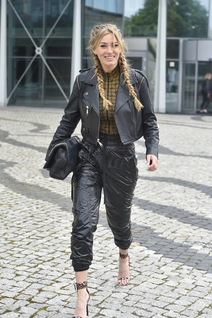 Marcelina Zawadzka w rockowej stylizacji.