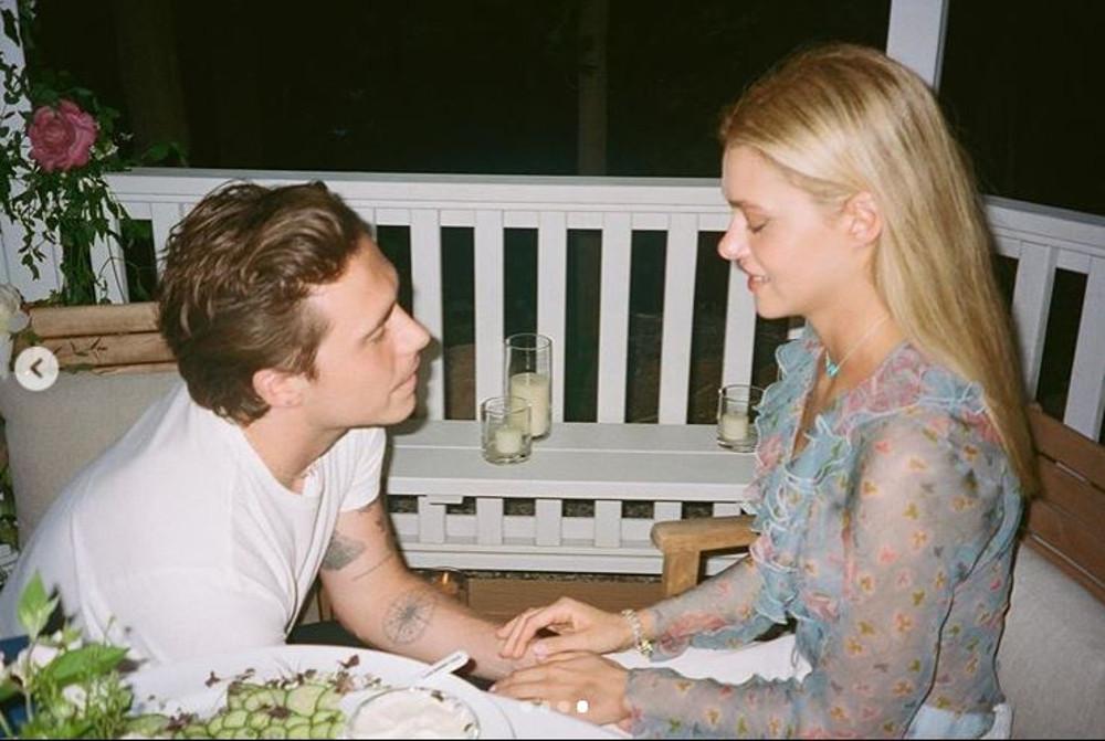 Brooklyn Beckham i Nicola Peltz na przyjęciu zaręczynowym.