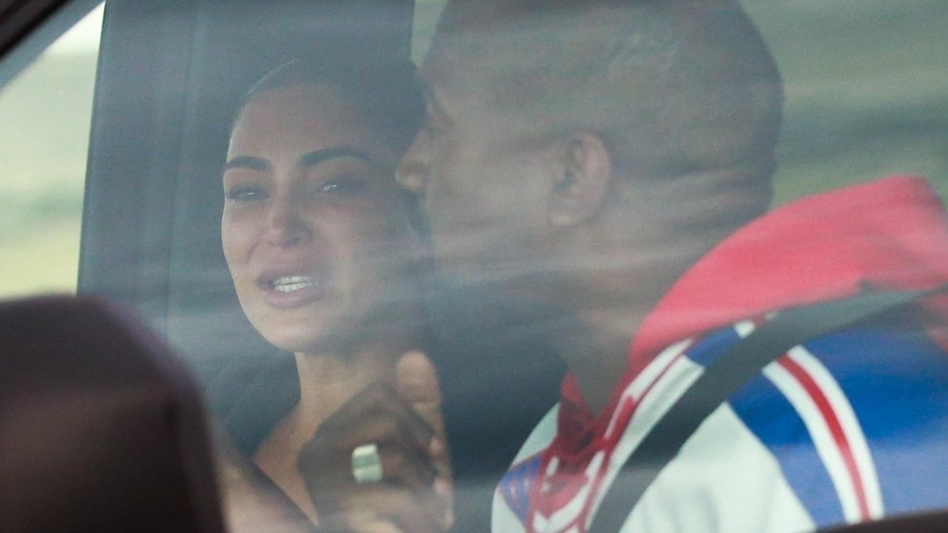 Kim Kardashian PŁACZE w samochodzie podczas kłótni z Kanye Westem (ZDJĘCIA)