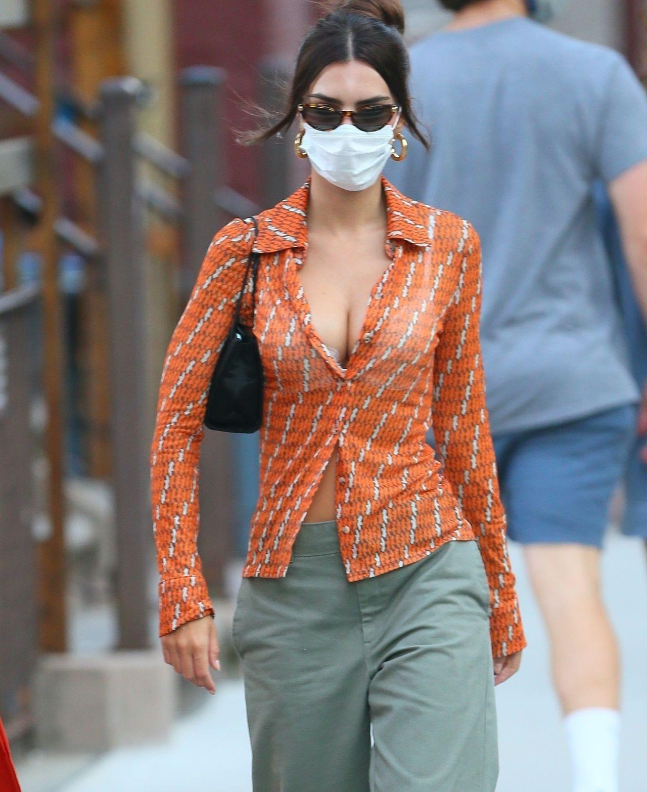 Emily Ratajkowski na ulicach Nowego Jorku