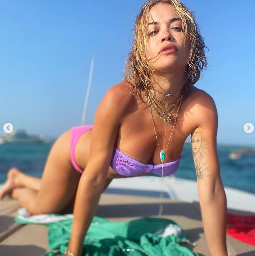 Rita Ora na wakacjach.