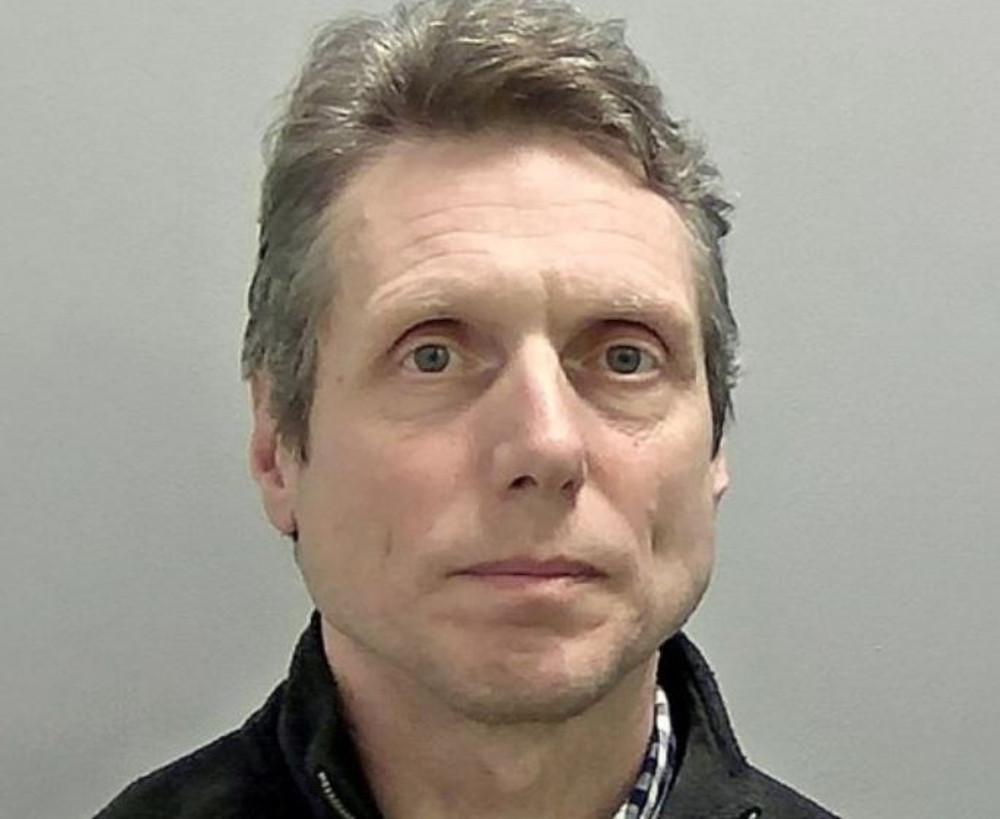 56-letni Phillip Blackwell od dwóch dekad pozostawał nieuchwytny policji. Rozpoznała go ofiara po jego występie w TV.