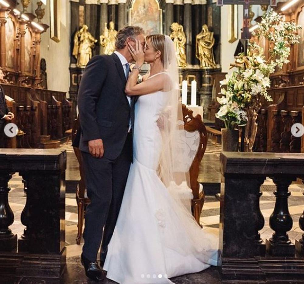 Joanna Krupa świętuje z męże drugą rocznicę ślubu.