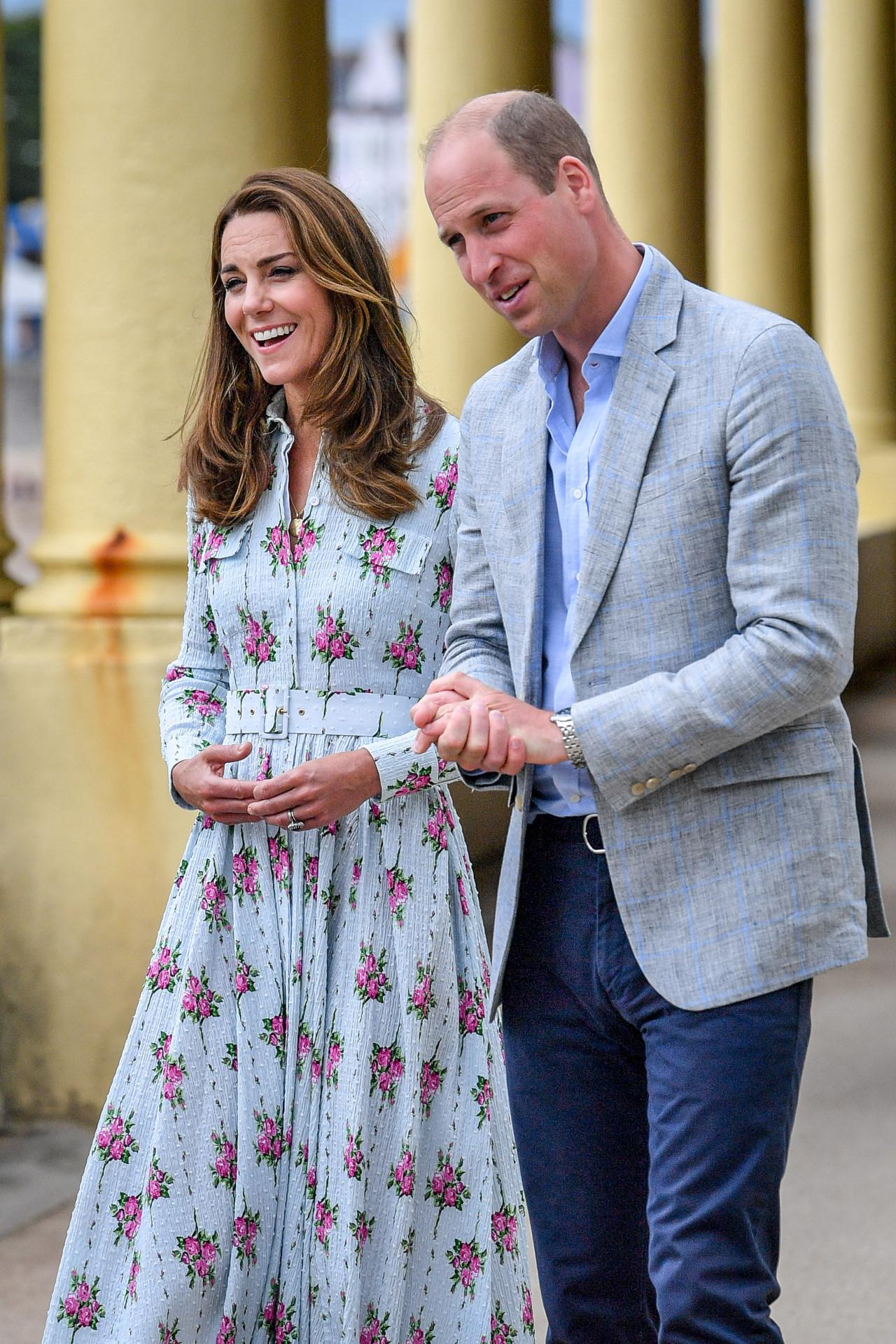 Księżna Kate z księciem Williamem na oficjalnym wystąpieniu.