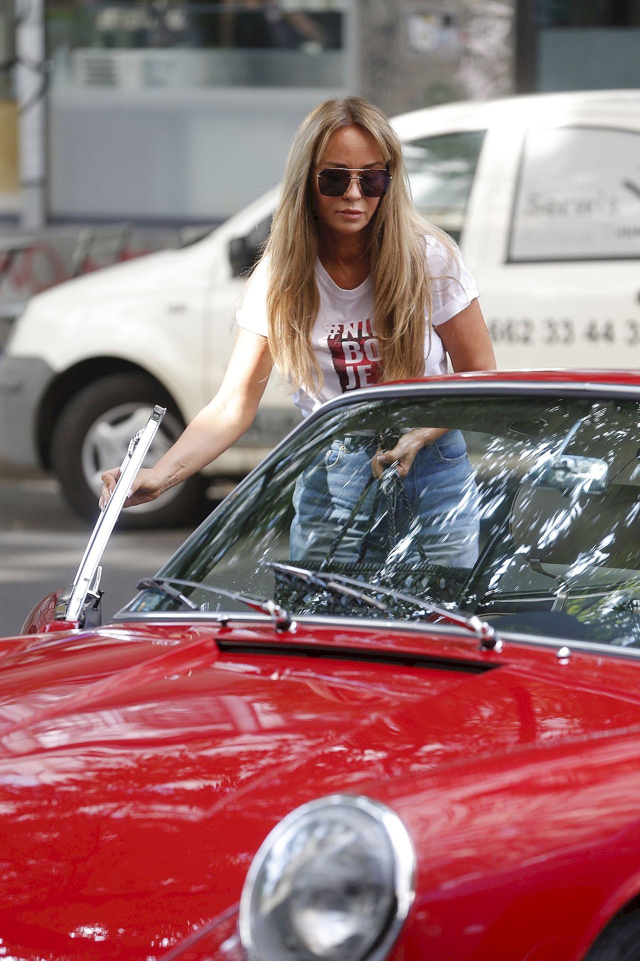 Joanna Przetakiewicz przyjechała starym Porsche