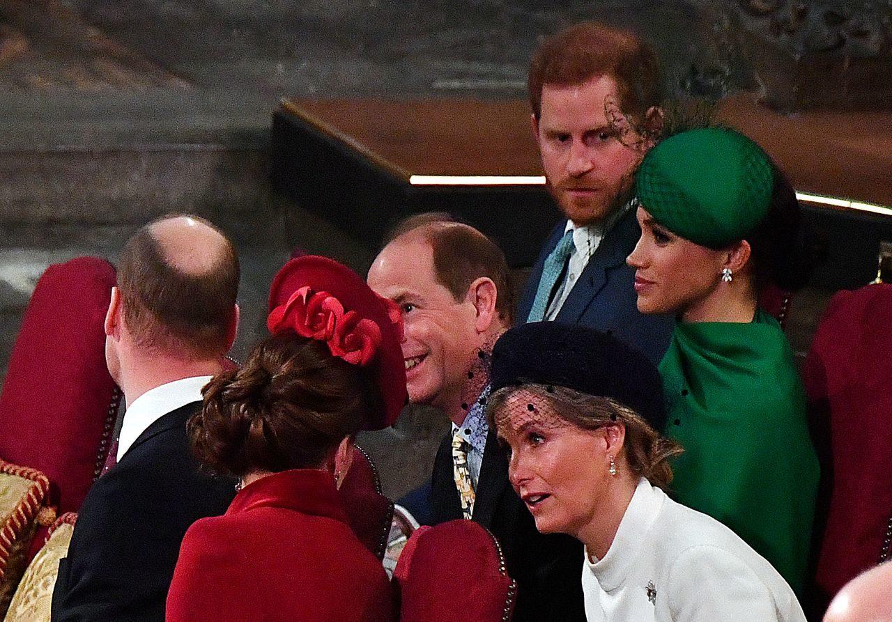 Meghan Markle z mężem na oficjalnym spotkaniu członków rodziny królewskiej.