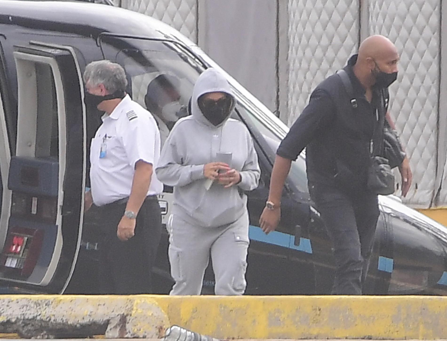 Beyonce wraca z wakacji w Hamptons, fot. Forum