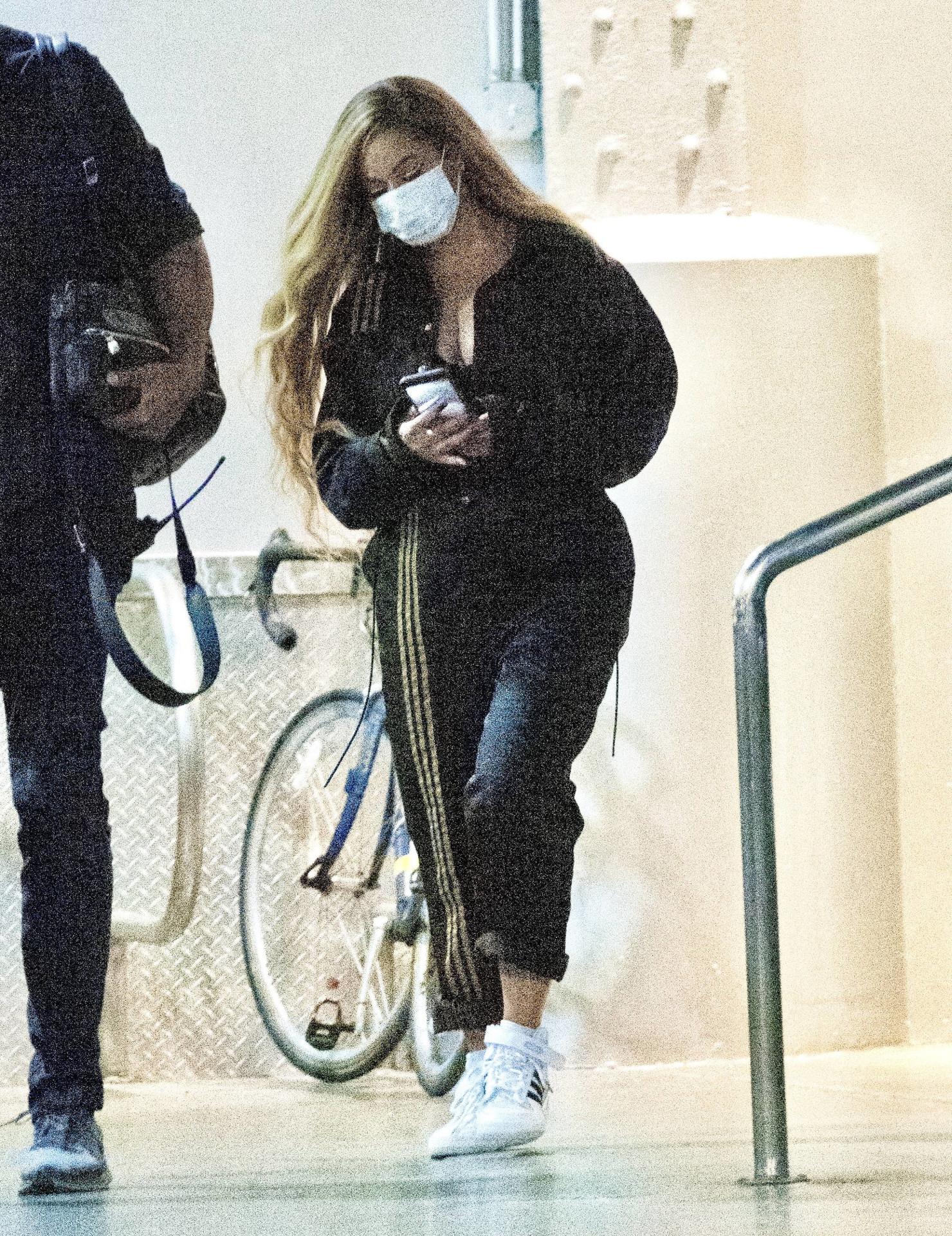 Beyonce na planie sesji dla Adidsasa, fot. Forum