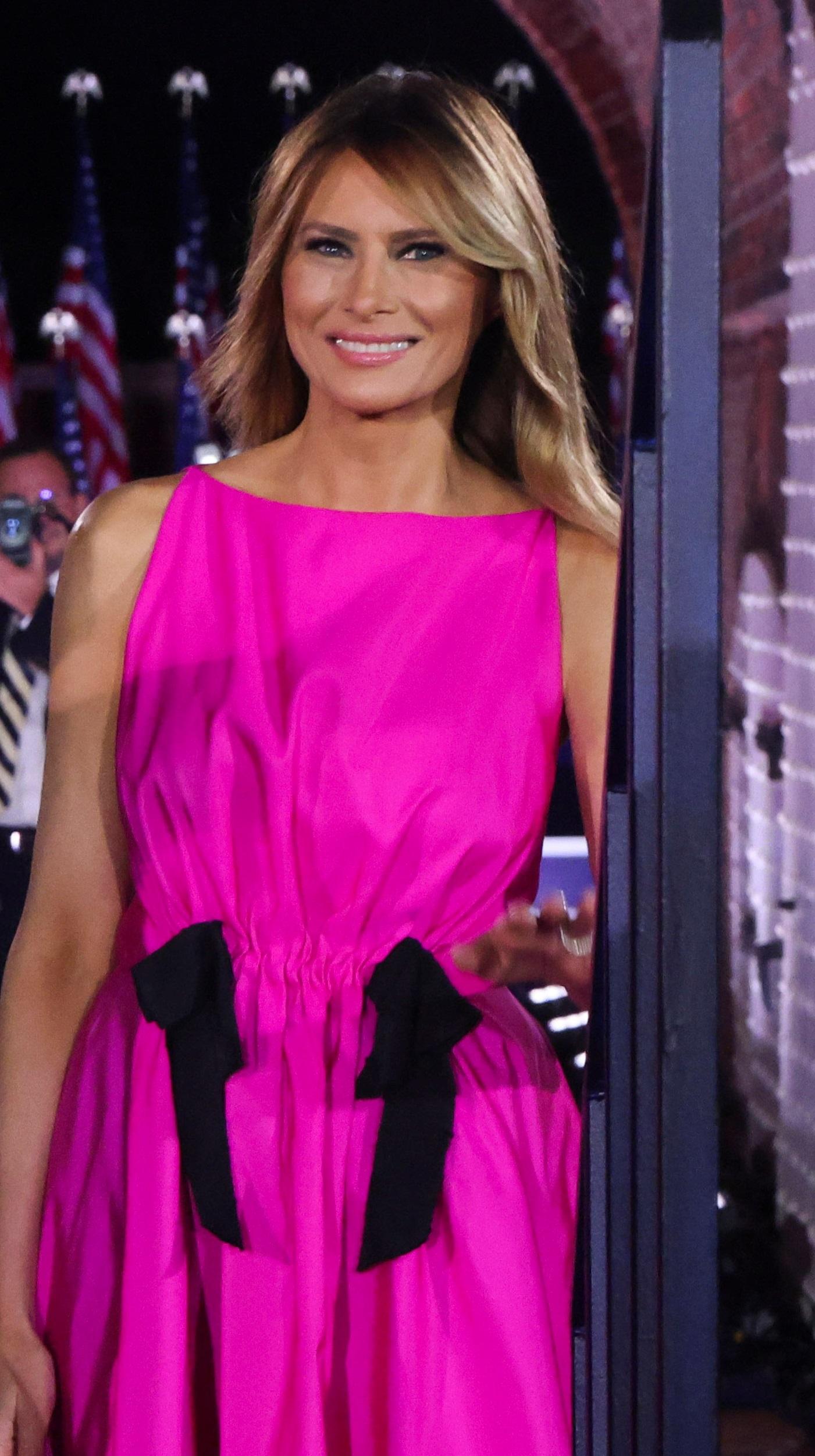 Melania Trump w różowej sukience. Fot. JONATHAN ERNST / Reuters / Forum