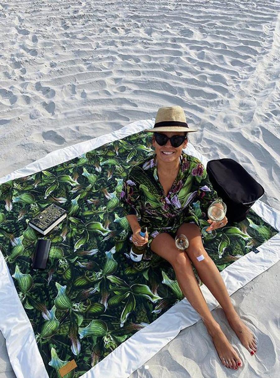Anna Mucha spędza wakacje nad morzem z nowym partnerem.